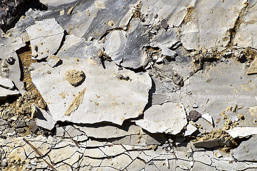 Concrete flakes